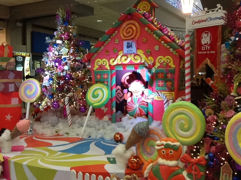 Photo sm city cdo launches candyland christmas for Xmas theme ideas