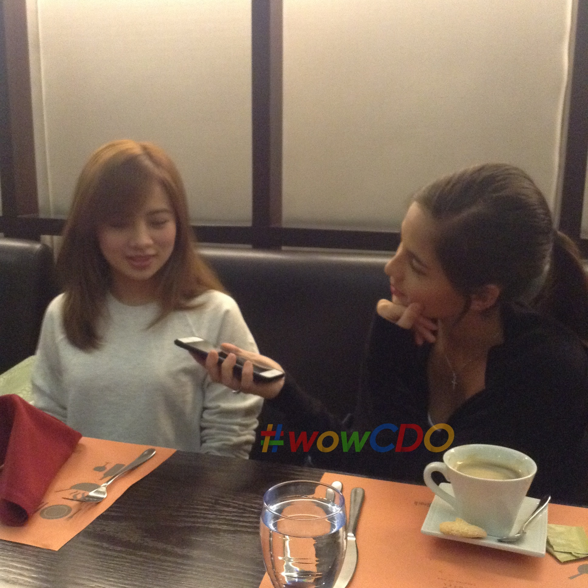 Jasmine acts as an interviewer when Ella Cruz arrived at the quick chit-chat.