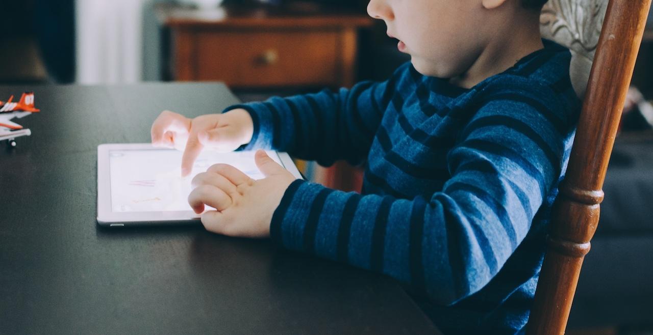 kids gadget dependence